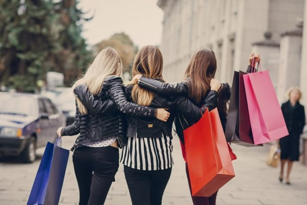 Tổng hợp những địa điểm cung cấp quần áo giá sỉ rẻ nhất tphcm