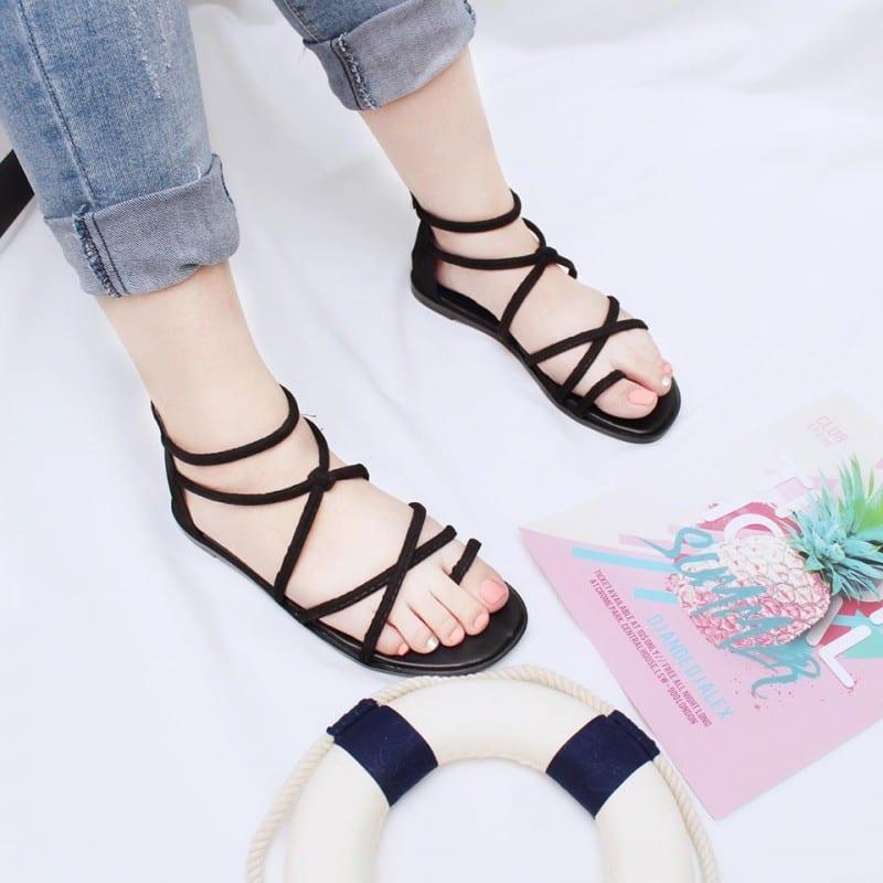 Top địa điểm bán giày sandal giá rẻ tại TPHCM
